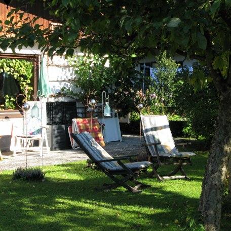 Die Liegestühle stehen bereit....., © im-web.de/ Tourist-Information Rottach-Egern