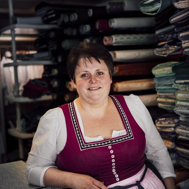 Schneidermeisterin Andrea Sanktjohanser aus Kreuth, © Julian Rohn