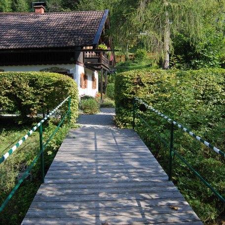 Hauseigener Zugang  über die Alpbachbrücke, © im-web.de/ Tourist Information Tegernsee
