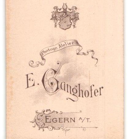 Fotografie-E-Ganghofer-Egern-a-T-Portrait-bildschoenes-Fraeulein-mit-Flechtdutt1, © Dr. Peter Czoik