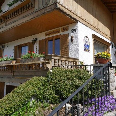 Außenansicht Ferienwohnung EG, © im-web.de/ Tourist-Information Rottach-Egern