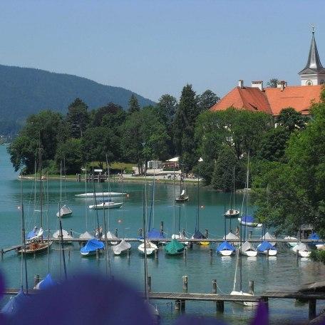 Ausblick von unserer Schwimmbadterrasse, © im-web.de/ Tourist Information Tegernsee