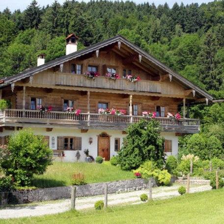 https://d1pgrp37iul3tg.cloudfront.net/objekt_pics/obj_full_32952_001.jpg, © im-web.de/ Tourist-Information Bad Wiessee