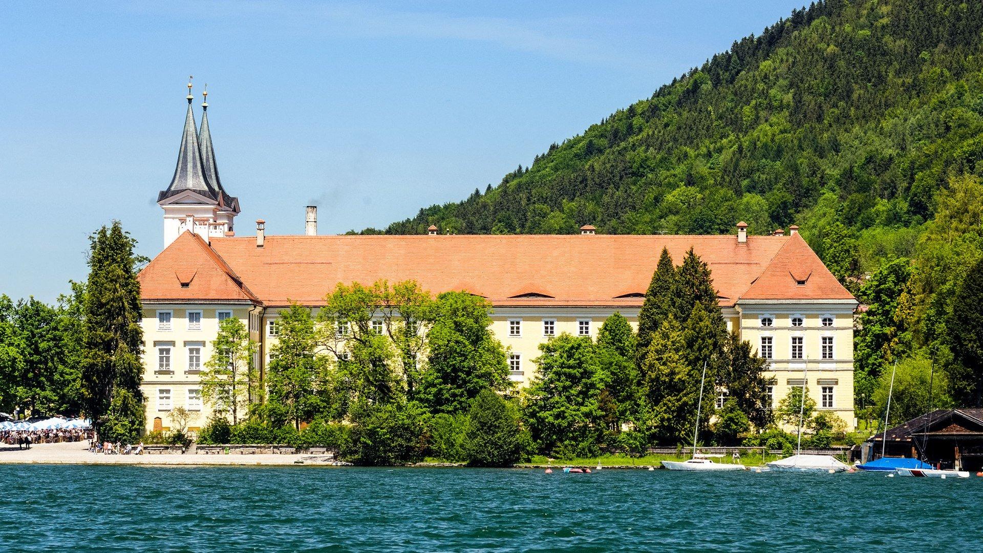 Schloss Tegernsee im Sommer