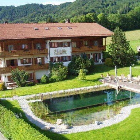 www.gaestehaus-ludwig-thoma.de Tel.: 08022/92150, © im-web.de/ Tourist Information Tegernsee