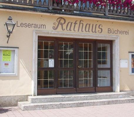 csm_lesesaal-rathaus-aussen_329399c758
