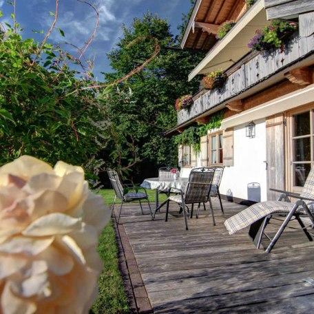 Die Terrasse ist perfekt, um entspannt den Tag zu verbringen, oder am Abend gemütlich zu grillen., © im-web.de/ Tourist Information Tegernsee